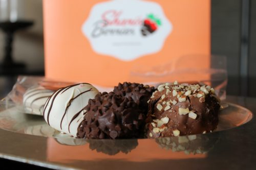 Shari's Berries and Helicopter Mom and Just Plane Dad #SharisBerries #ad